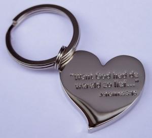 God heeft ons lief-sleutelhanger